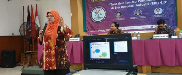Pemaparan Socioscientific Issues oleh Prof Sri Rahayu dalam SEMNAS Pendidikan IPA 2019